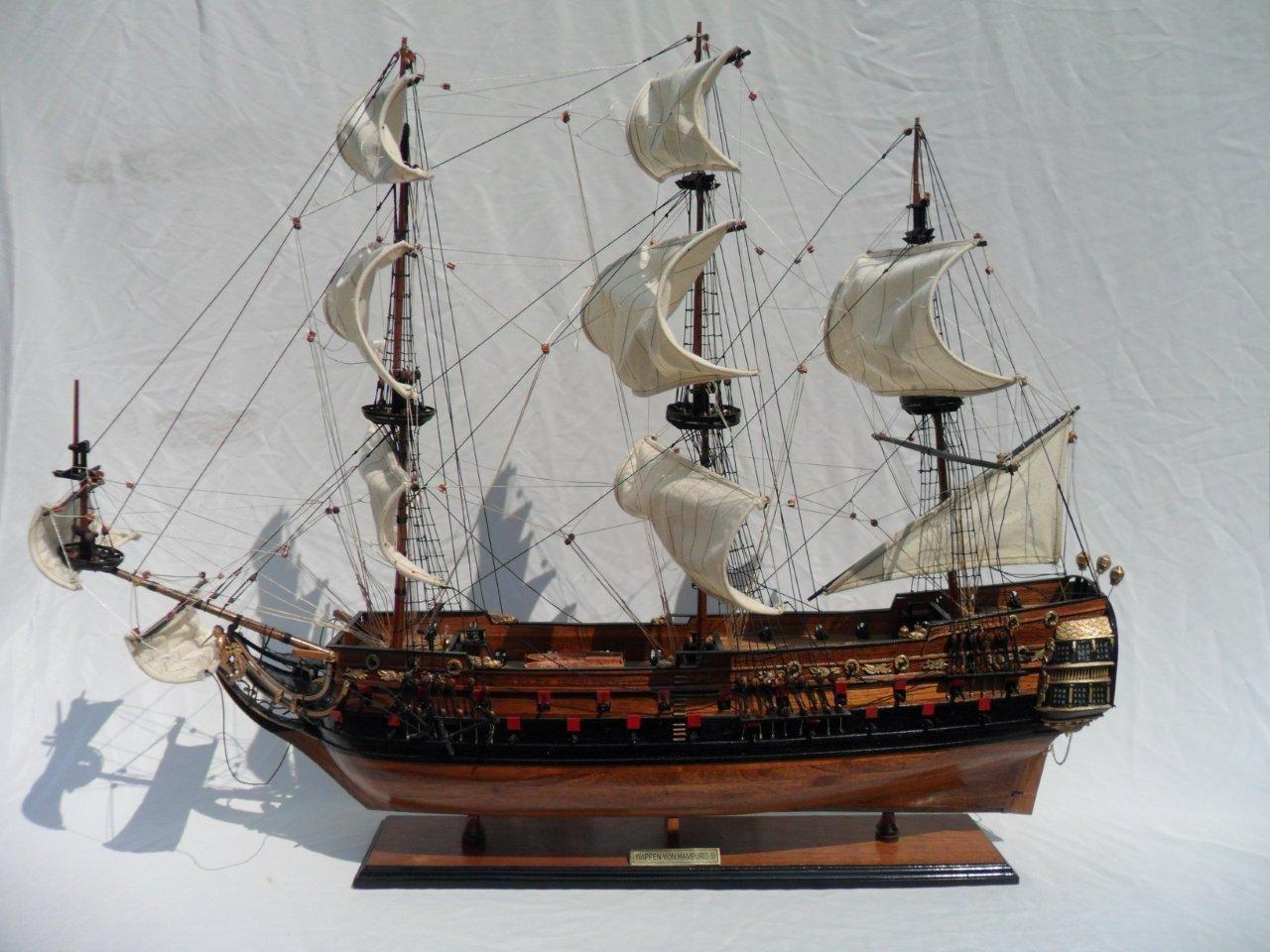 1996-12604-Wapen-von-Hamburg-III-Model-ship