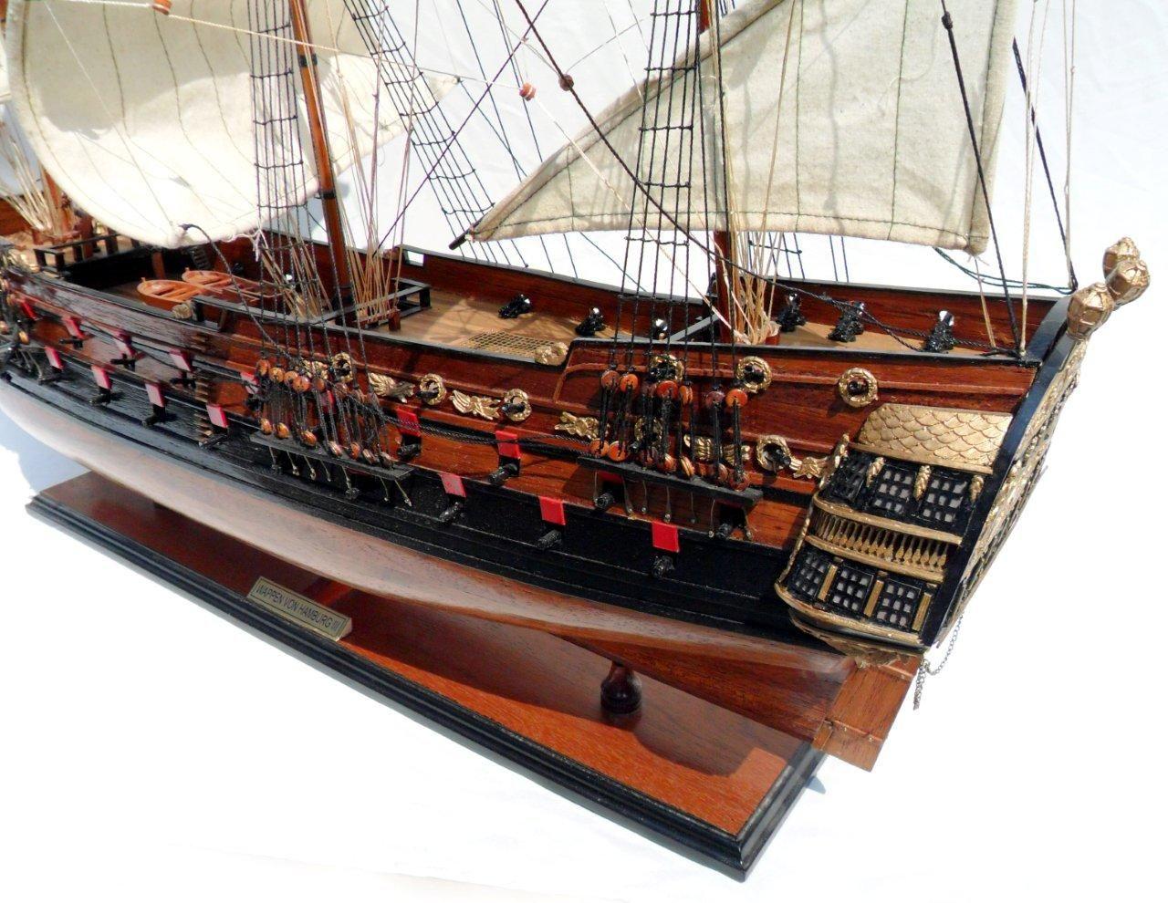 1996-12612-Wapen-von-Hamburg-III-Model-ship