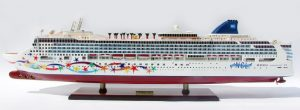 2084-12370-Norwegian-Star-Ship-Model