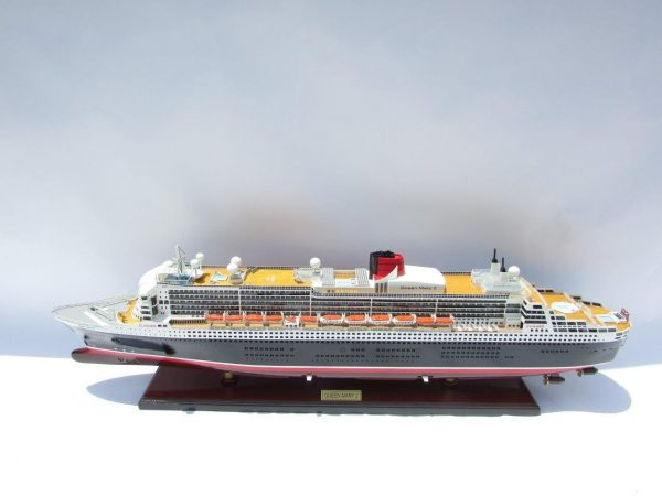 2090-12406-Queen-Mary-2-Wooden-Model-Ship