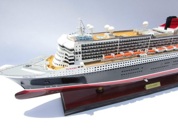 2090-12408-Queen-Mary-2-Wooden-Model-Ship