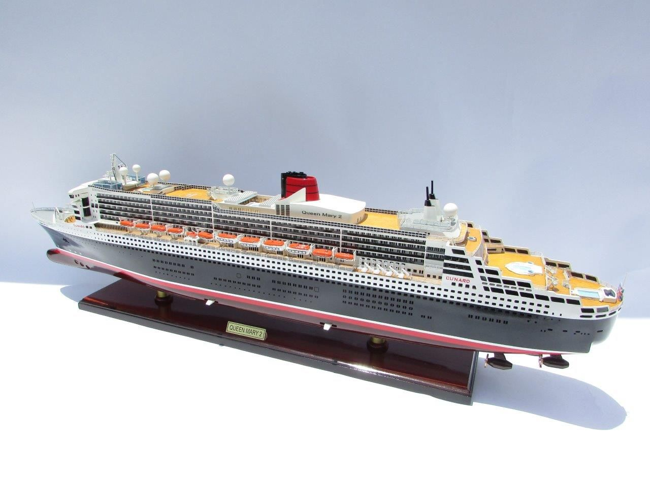 2090-12410-Queen-Mary-2-Wooden-Model-Ship