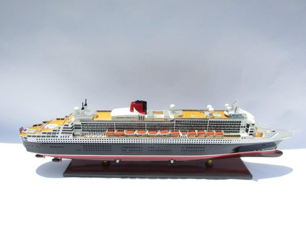 2090-12414-Queen-Mary-2-Wooden-Model-Ship