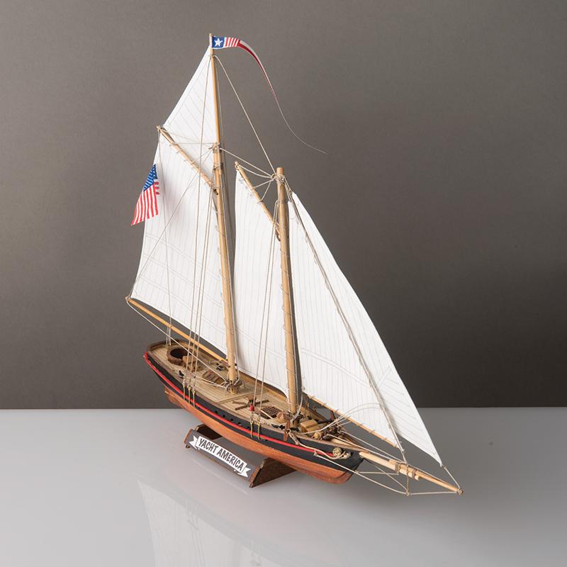 2525-14332-America-Yacht-Model-Kit-1-to-155-Scale-Corel-SM102