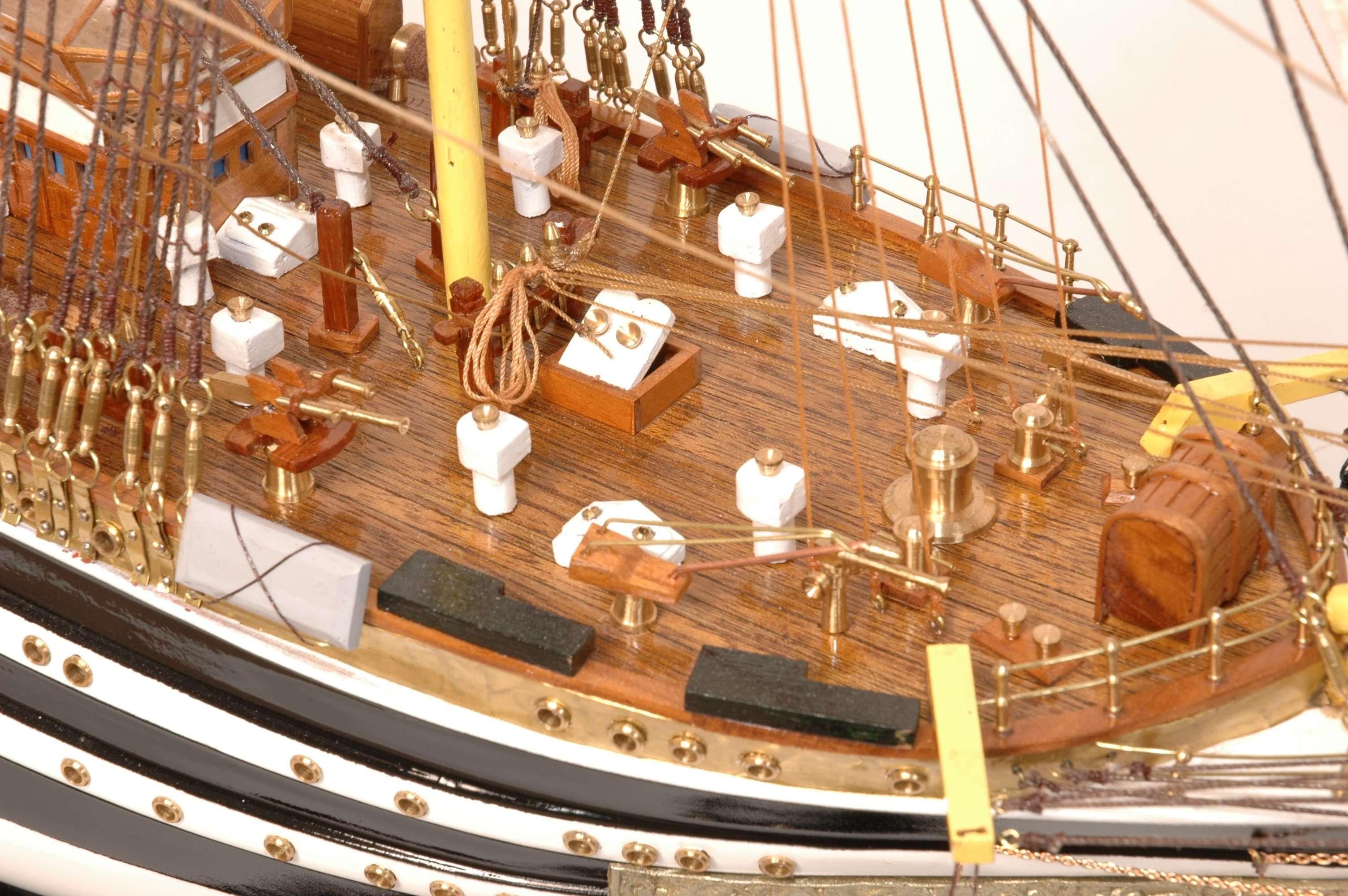 498-4214-Amerigo-Vespucci-Model-Ship-Superior-Range