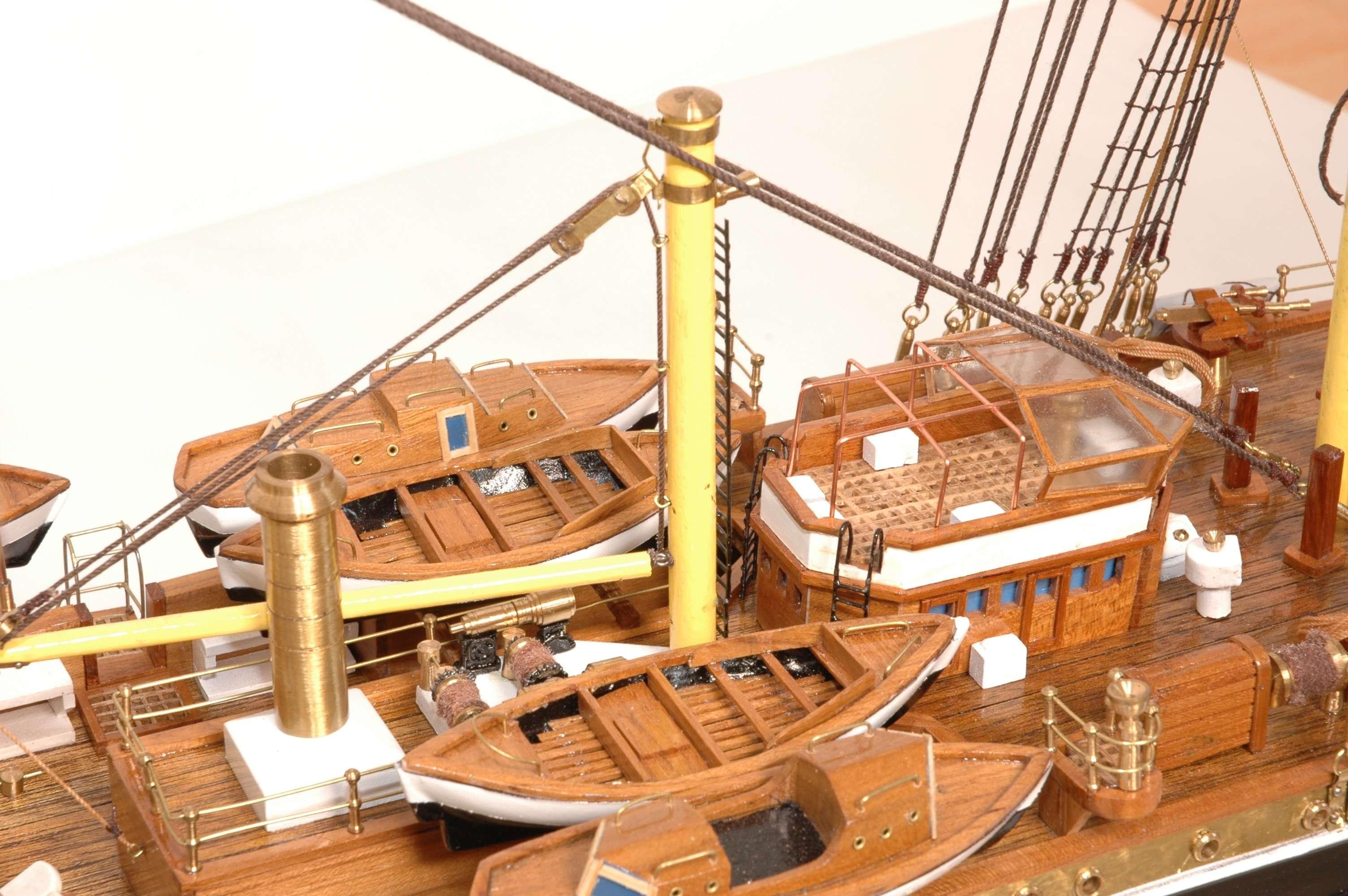 498-4215-Amerigo-Vespucci-Model-Ship-Superior-Range