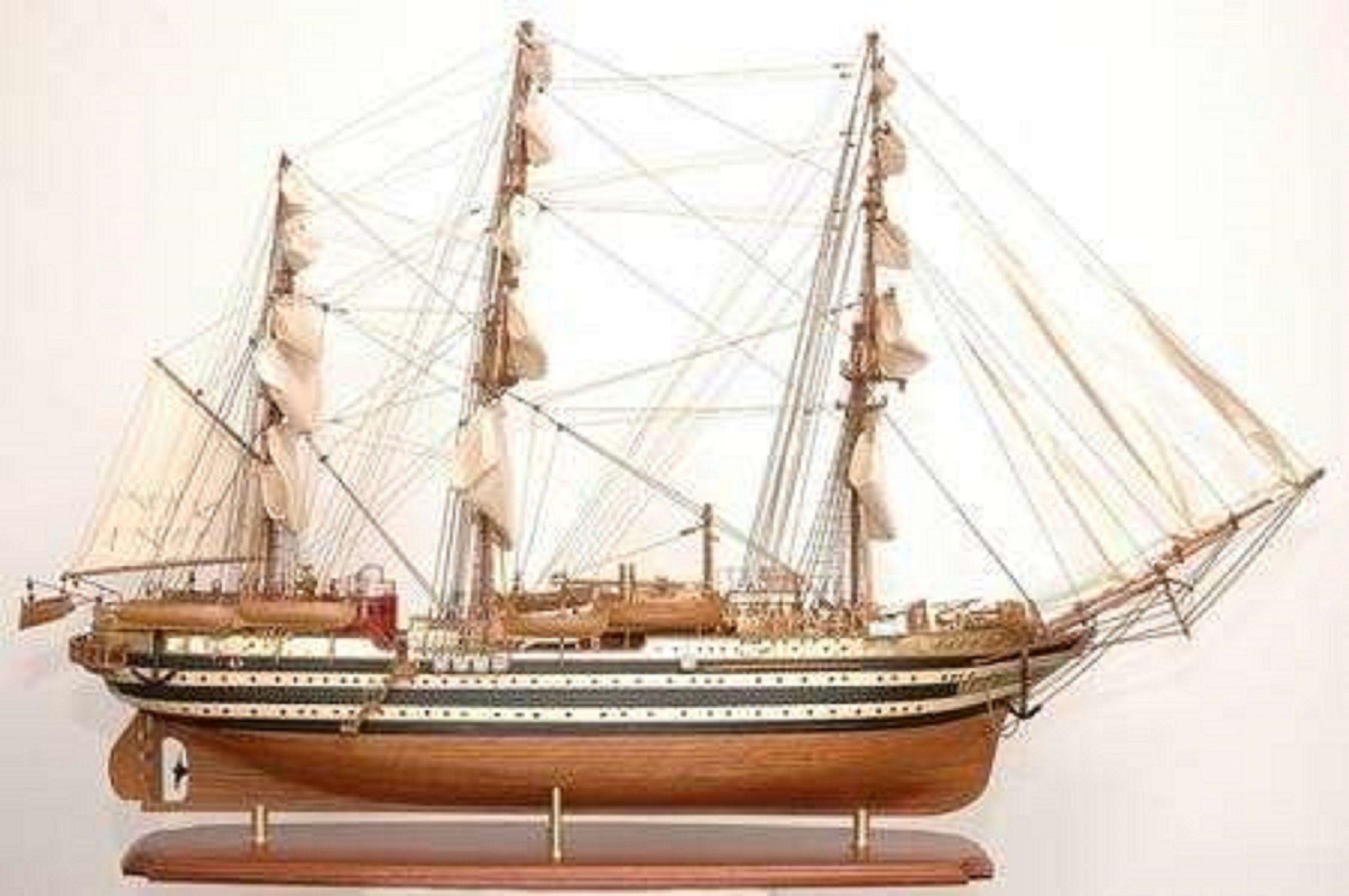 498-7770-Amerigo-Vespucci-Model-Ship-Superior-Range