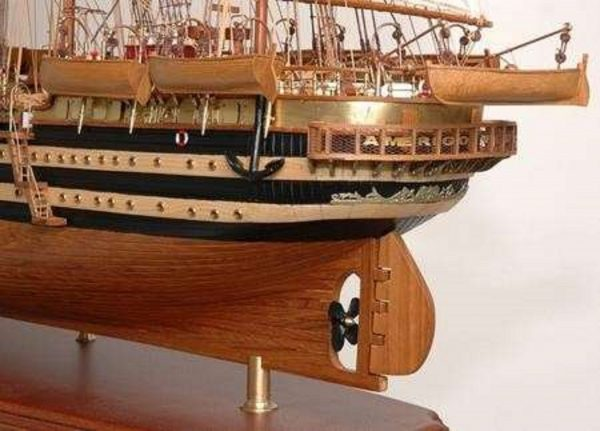 498-7777-Amerigo-Vespucci-Model-Ship-Superior-Range