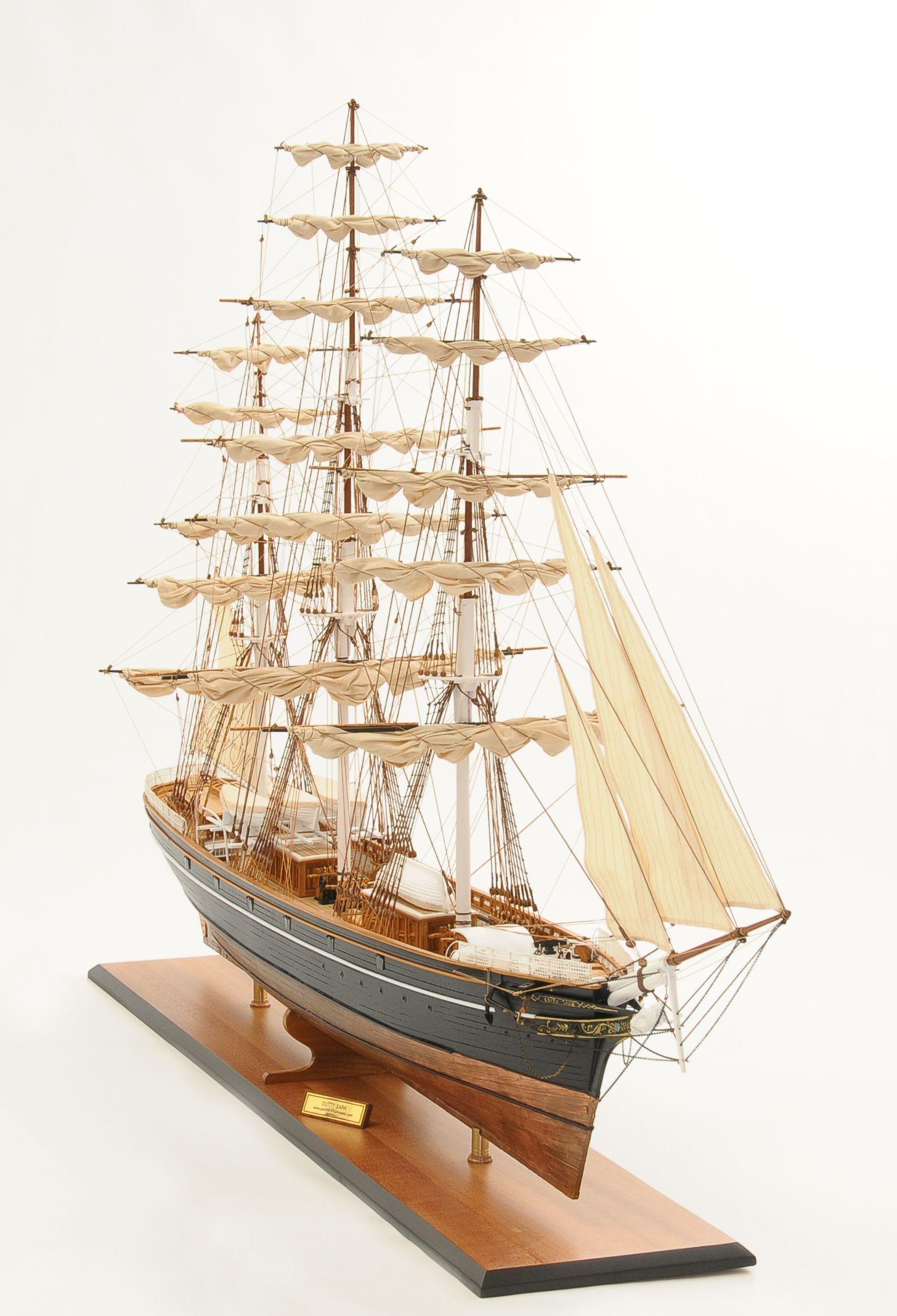 553-8665-Cutty-Sark-model-ship-Premier-Range