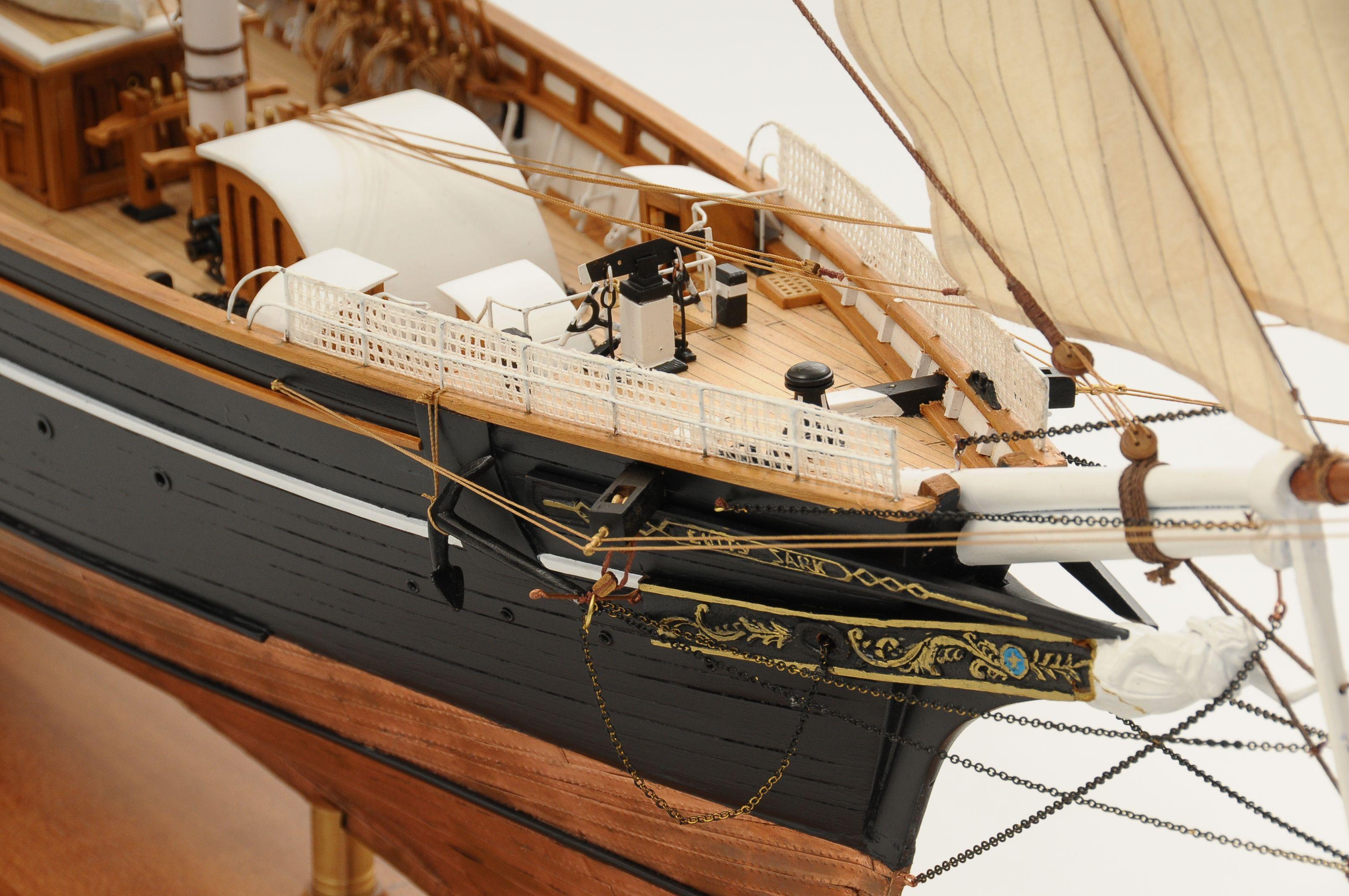 553-8666-Cutty-Sark-model-ship-Premier-Range