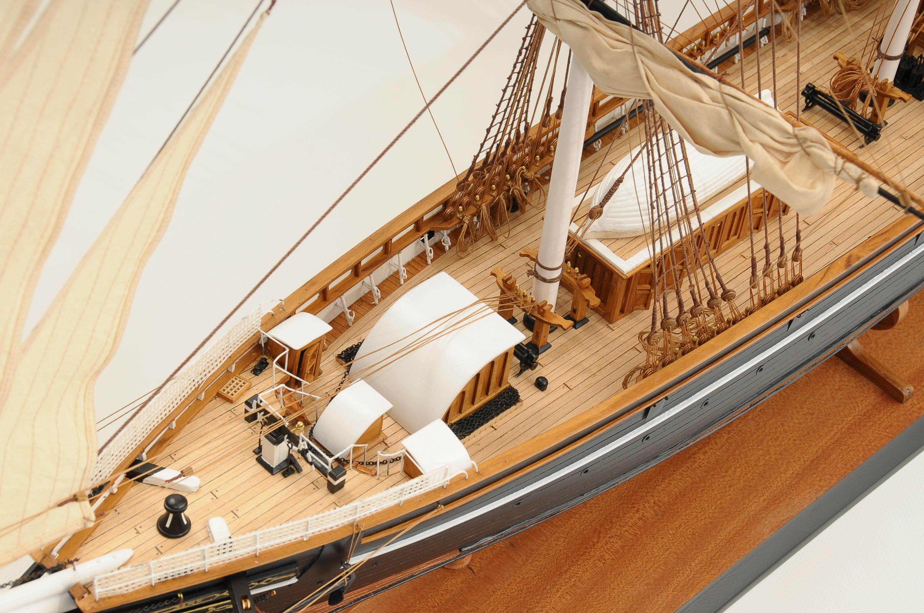 553-8668-Cutty-Sark-model-ship-Premier-Range