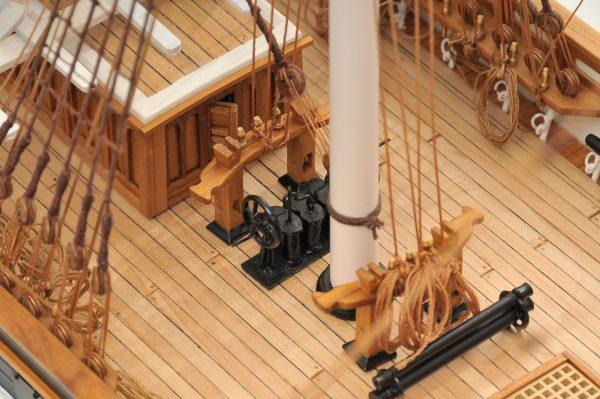 553-8670-Cutty-Sark-model-ship-Premier-Range