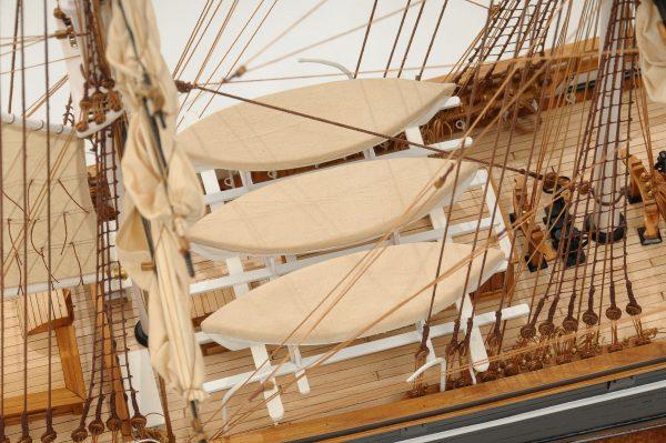 553-8672-Cutty-Sark-model-ship-Premier-Range