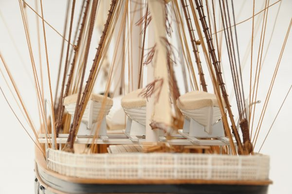 553-8682-Cutty-Sark-model-ship-Premier-Range