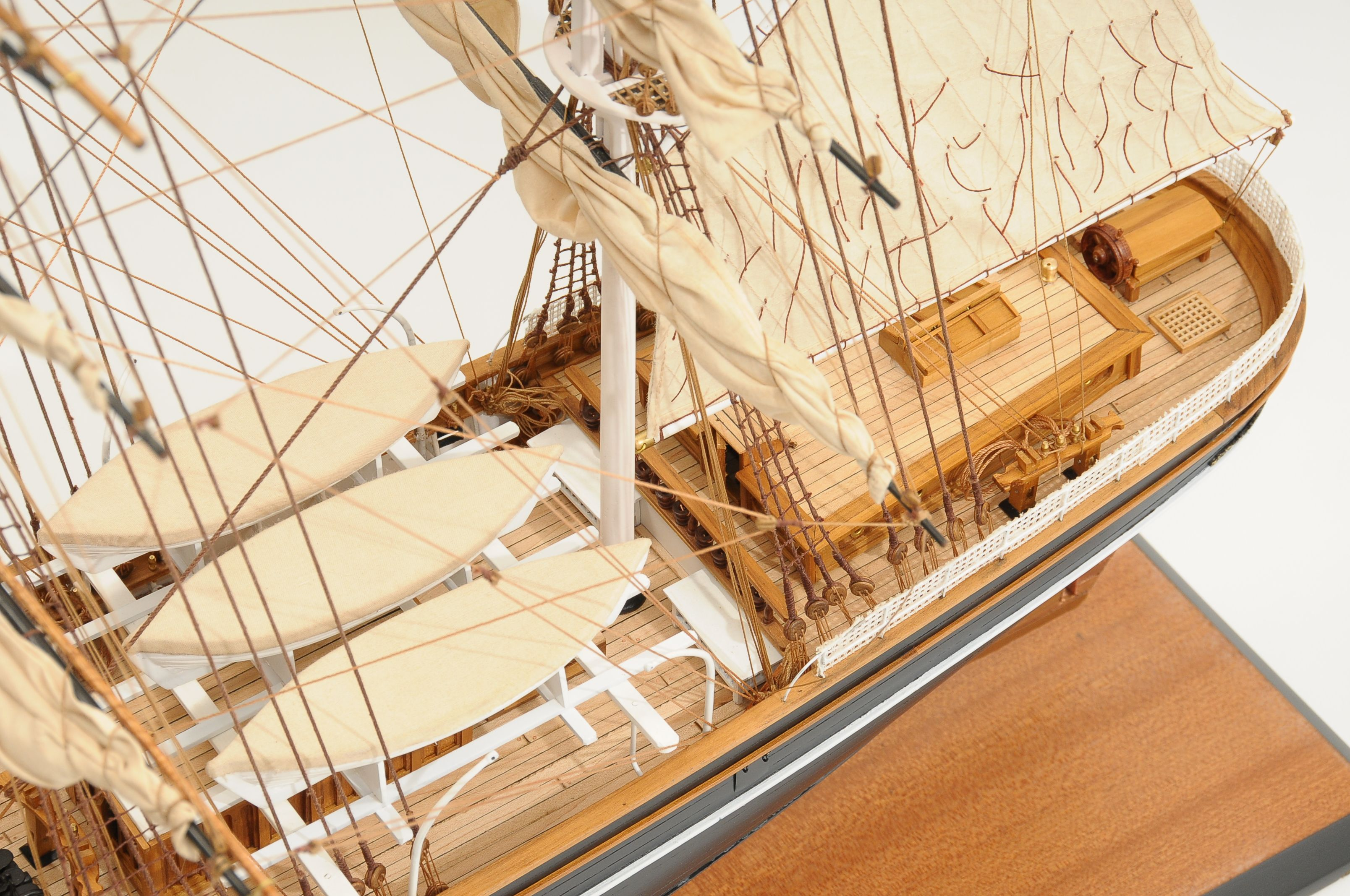 553-8684-Cutty-Sark-model-ship-Premier-Range