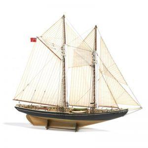 Blue Nose Model Boat Kit - Billing Boats (B576)