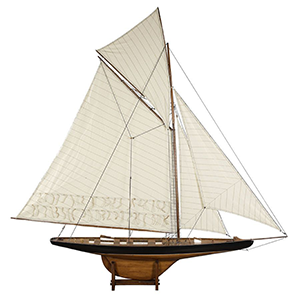 Classic Yachts & Boats