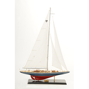 Endeavour Model Yacht  (Superior Range) - PSM
