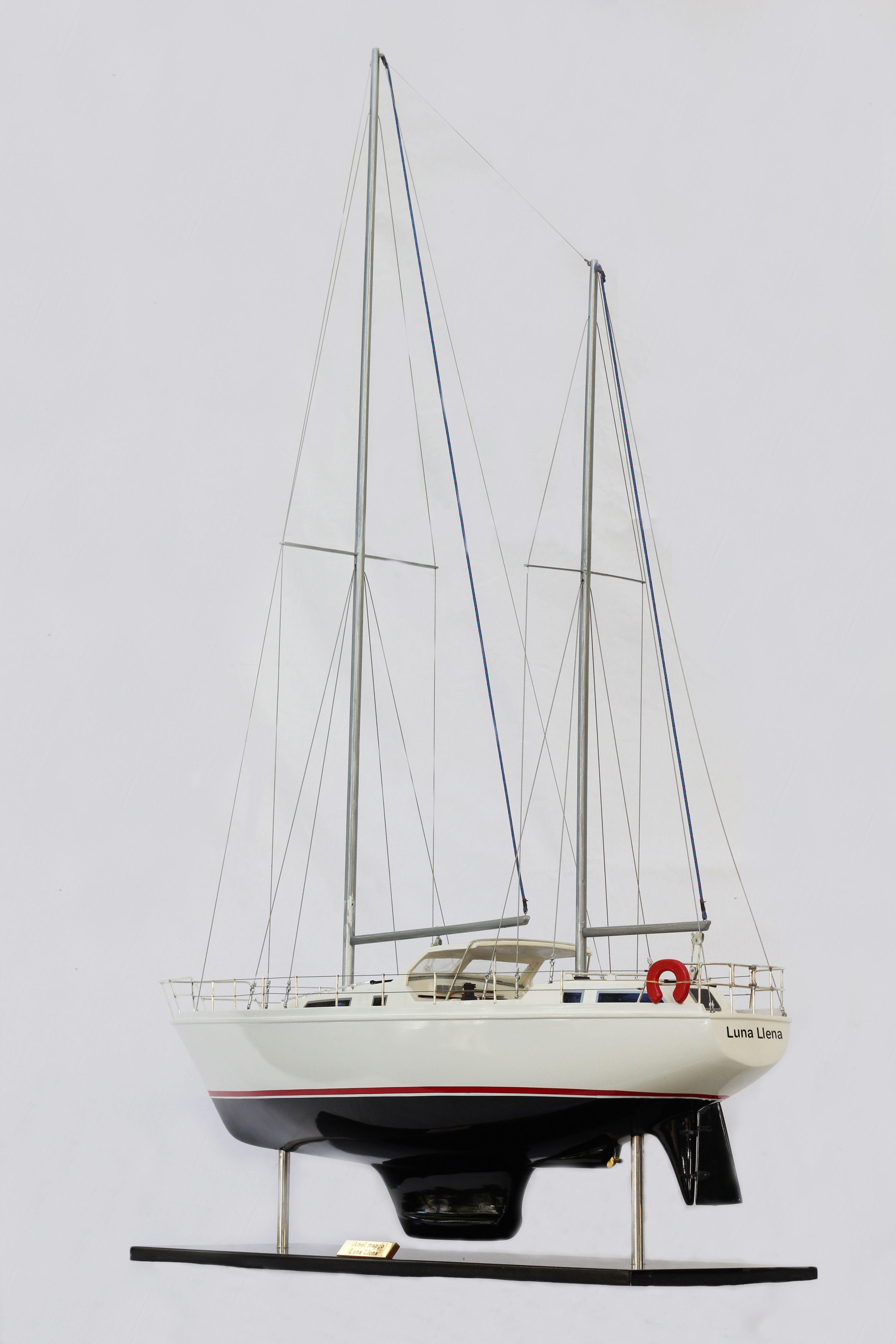 Amel Model Yacht (Superior Range) - HM